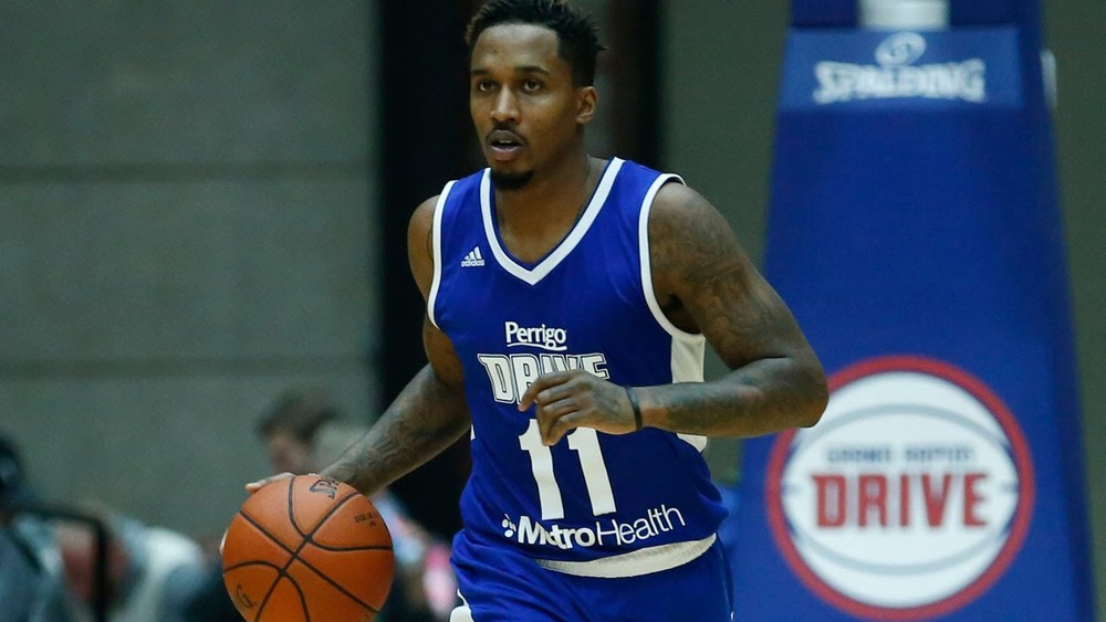 Brandon Jennings Dishes Out 12 Assists in NBA D-League Rehab Game